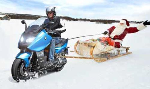 Babbo Natale trainato BMW